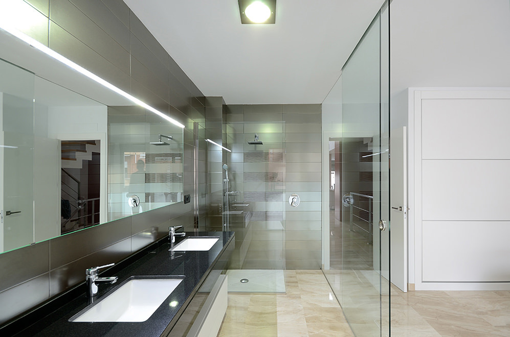 Bagno In Camera Con Vetro : Idee bagni moderni da sogno u colori idee piastrelle bagno