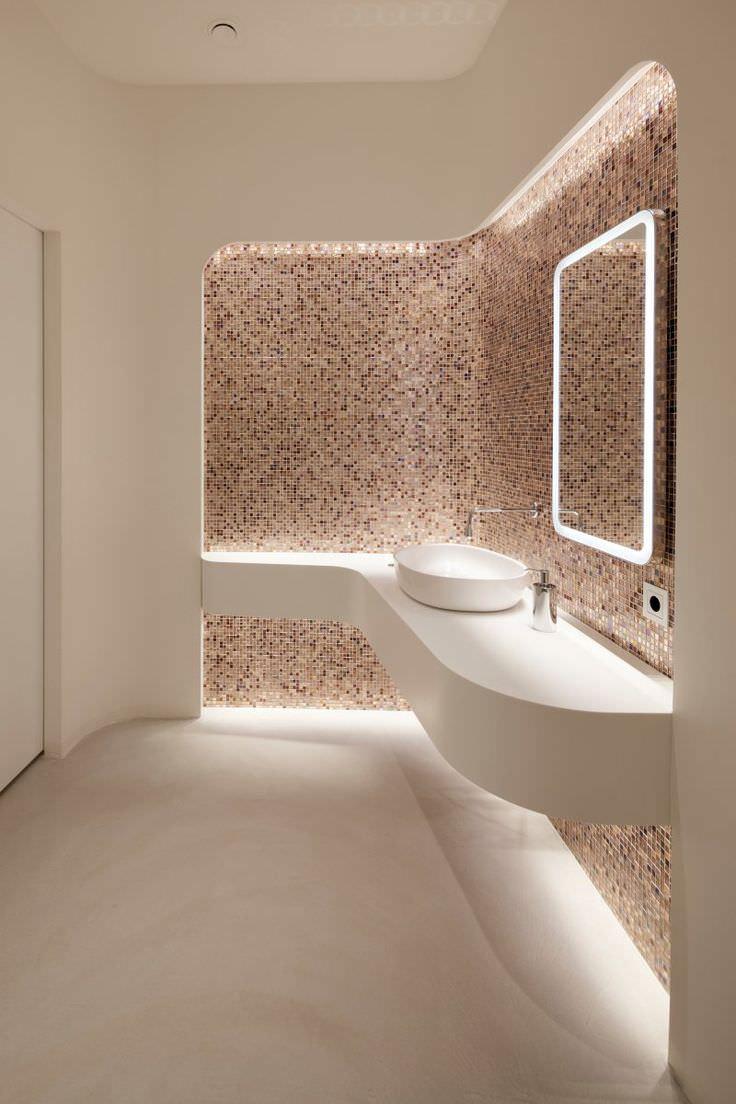 Bagno con pavimenti e rivestimenti in mosaico 100 idee for Arredo bagno costi