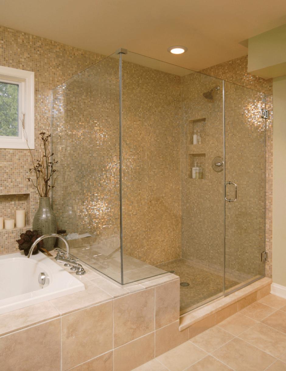 Bagno con pavimenti e rivestimenti in mosaico • 100 idee bagni ...