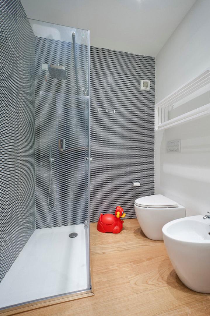 Ristrutturare un bagno piccolo 50 idee soluzioni for Progetti per ristrutturare casa