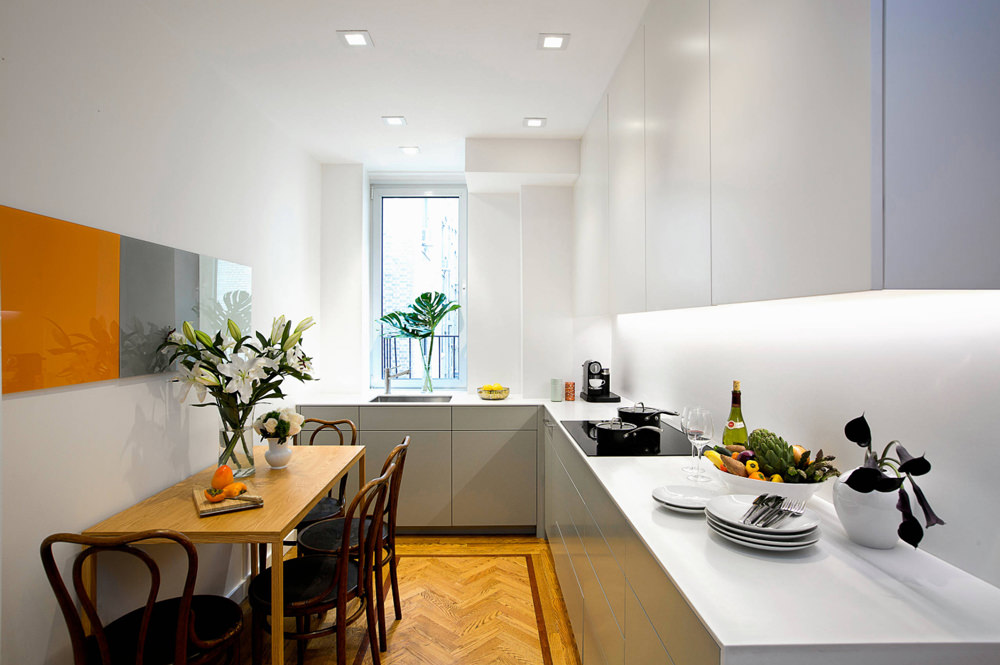 tavolo per cucina semiabitabile