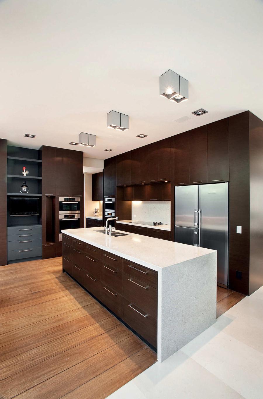 Cucina Moderna Bianca E Legno Scuro.100 Idee Cucine Moderne In Legno Bianche Nere Colorate