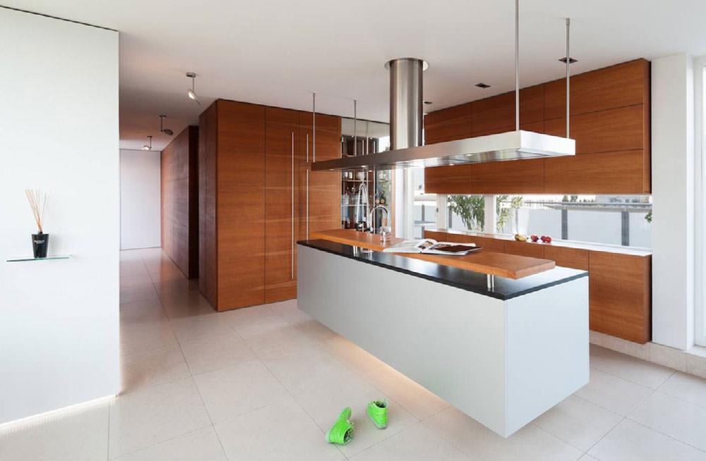 100 idee cucine moderne in legno bianche nere colorate for Colore pareti cucina bianca
