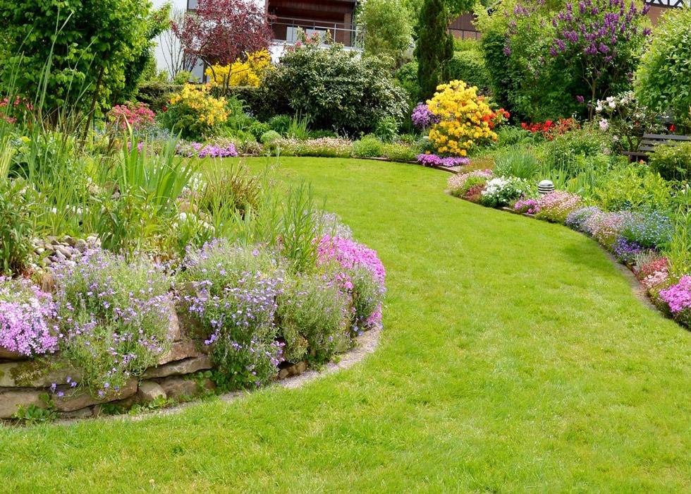 Progettare un giardino rustico pieno di colori e calore for Organizzare giardino