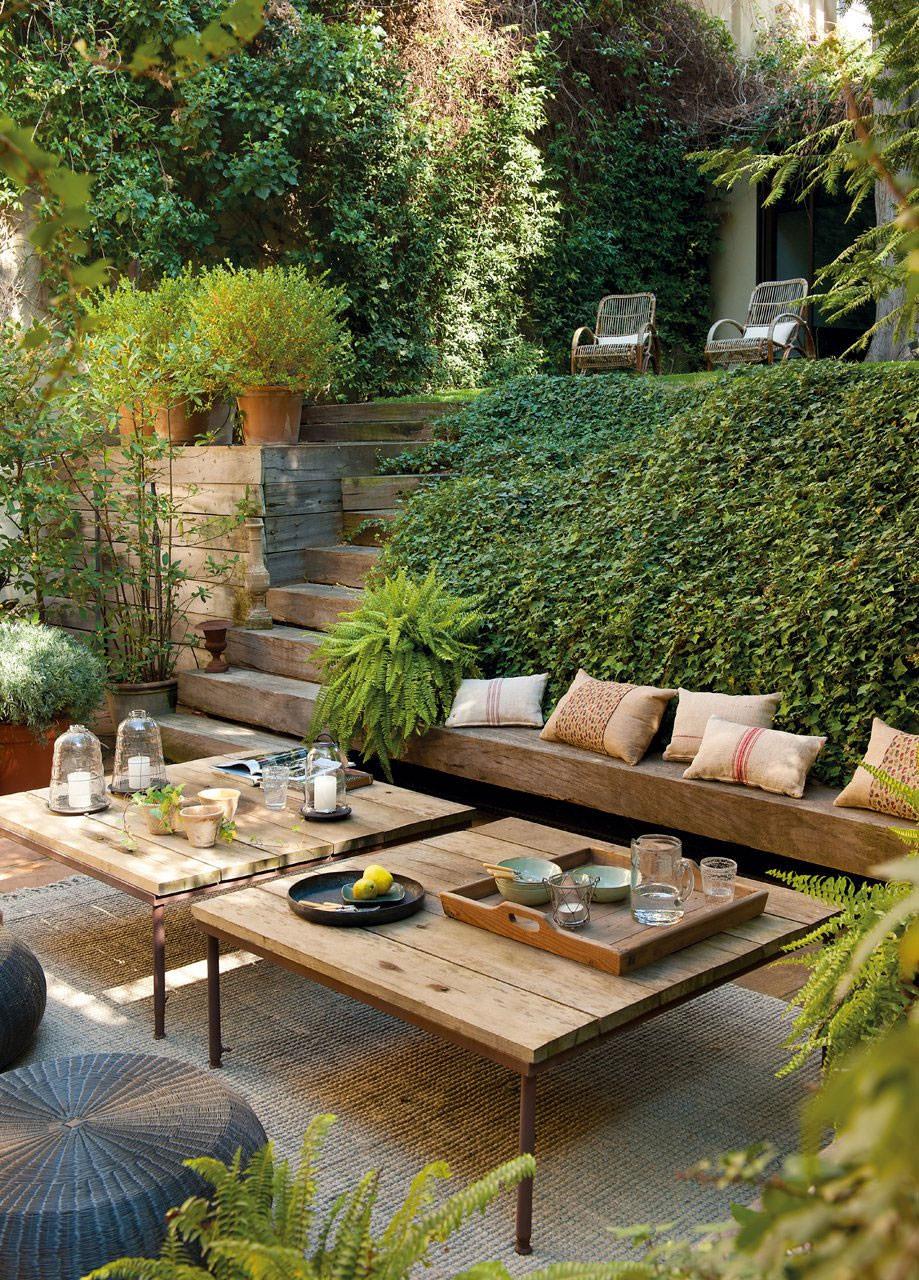 Sistemare Giardino Di Casa progettare un giardino rustico pieno di colori e calore