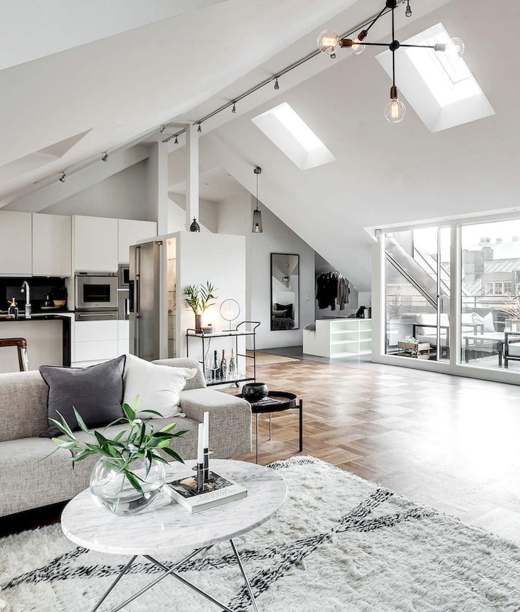 Illuminazione mansarda illuminare l 39 attico con luce for Porte per mansarda