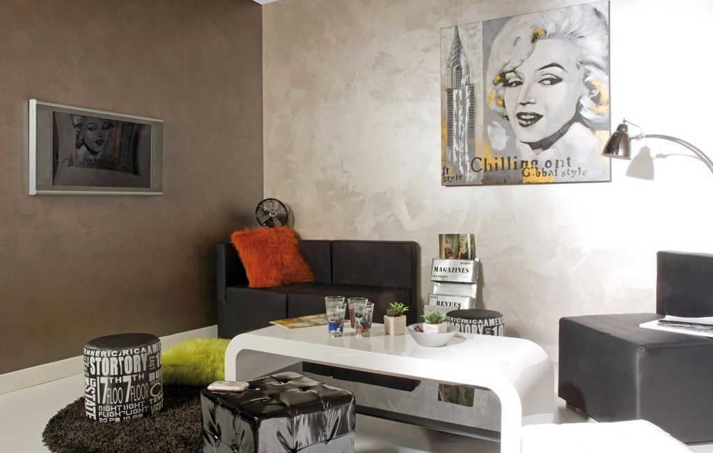 Pitturare casa tecniche colori costi e idee guida for Pittura per interni moderne