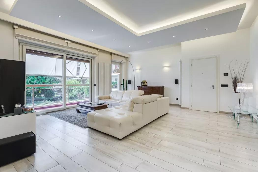 Controsoffitti in cartongesso utilizzo prezzi e 50 idee for Ambiente soggiorno moderno