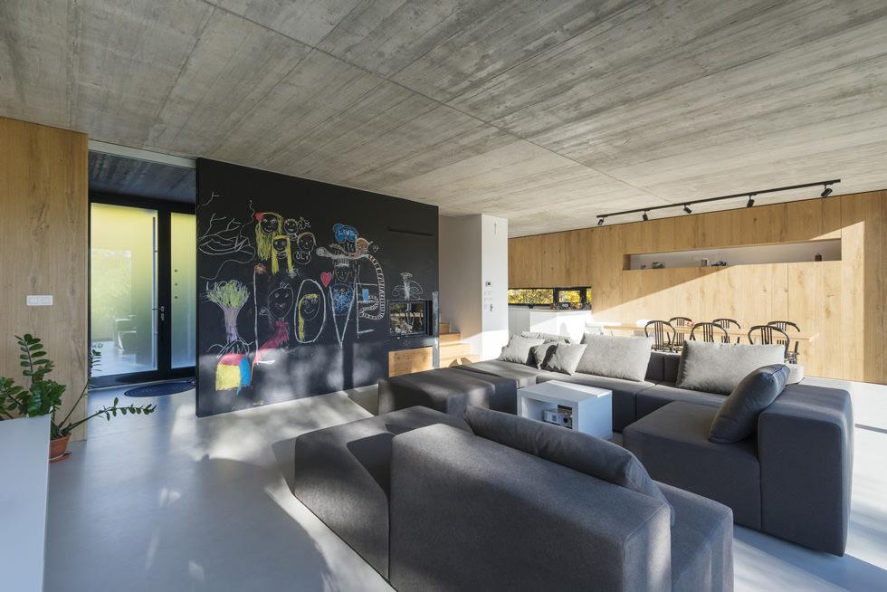 Colore pareti soggiorno cambiare stile senza spendere for Pittura salone